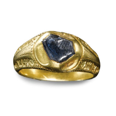 Late Medieval Gold Ring with Hexagonal Sapphire